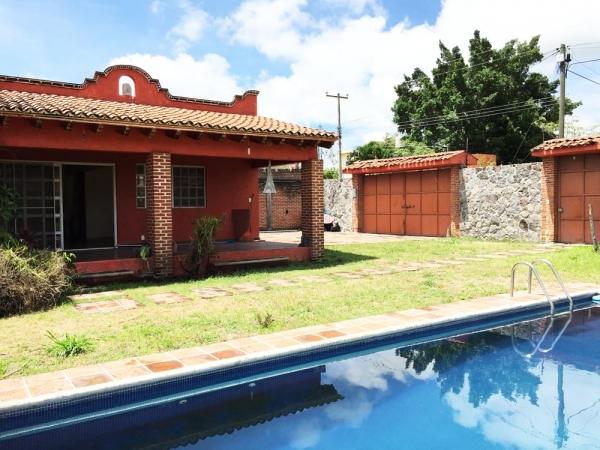 Quetzales casa sola con amplio terreno!!