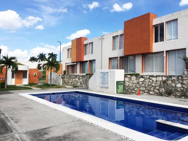 Las Palmas Residencial, II